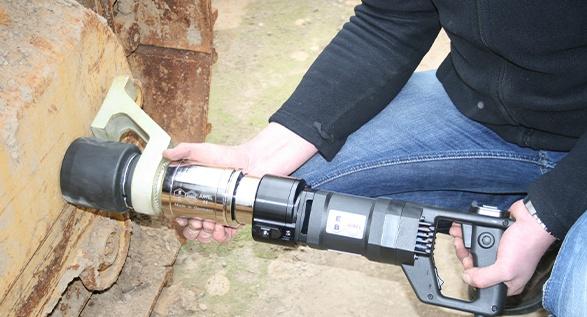 Juwel Elektrikli Tork Anahtarı Hafif İş Seri Dikey Tip ±%3.5 [ 150 – 10.000 N.m ]
