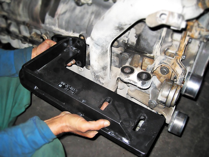Weitner Mercedes Benz Ağır Vasıta Motor Adaptörleri [1200 Kg]